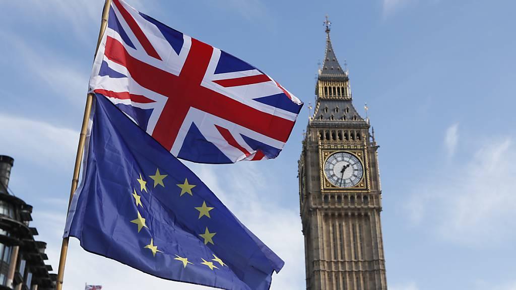 Moody's senkt Rating-Ausblick für Grossbritannien wegen Brexits