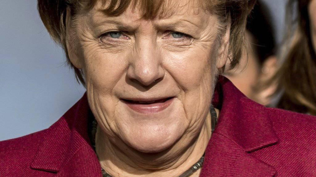Der Druck auf Kanzlerin Merkel wächst, eine so genannte Jamaika-Koalition auf die Beine zu stellen. Auf Neuwahlen ist sie nicht erpicht.