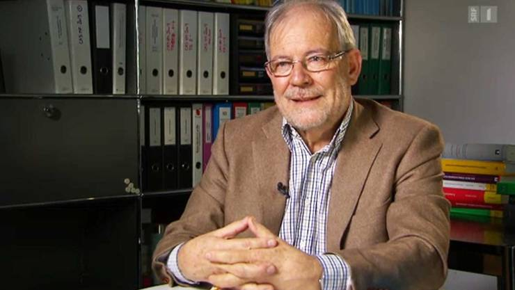 Christoph Häfeli ist Jurist und Sozialarbeiter, emeritierter Professor, und Kindes- und Erwachsenenschutz-Experte. Er berät Behörden und Mandatsträger.