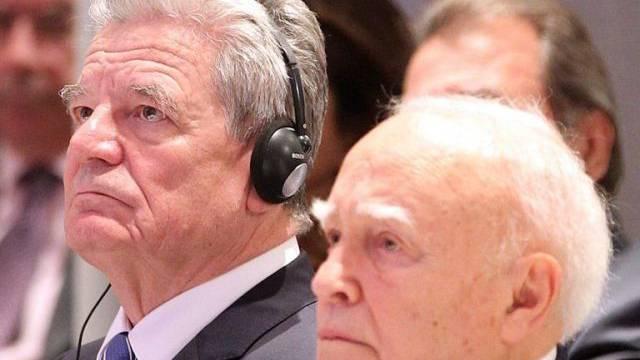 Joachim Gauck (inks) und Karolos Papoulias