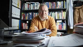 «Da crashe ich einfach durch.» Claude Longchamp im Büro des Instituts GfS in Bern.