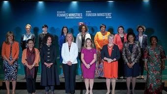 Aussenministerinnen aus aller Welt beraten in Kanada über Frauen in Politik und Führungspositionen, die Stärkung von Demokratie, die Förderung von Frieden und Sicherheit und den Kampf gegen Gewalt gegen Frauen.