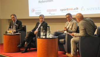 Diskussion mit Urs Leutert, Urs Lacotte, Bernhard Russi und Moderator Gregor Dill (v.l.) zum Thema Olympia.