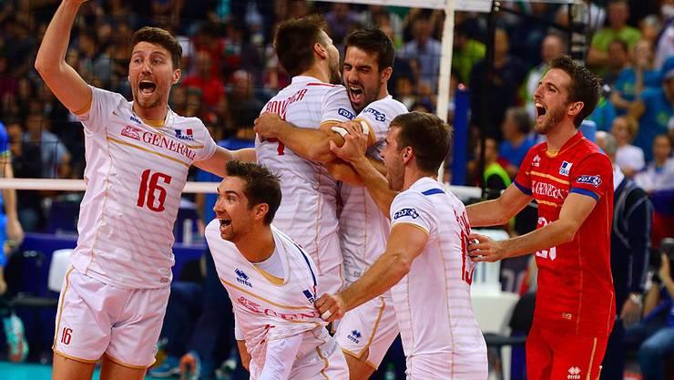 Frankreichs Volleyballer jubeln über den ersten gewonnenen EM-Final nach zuvor vier verlorenen Finals