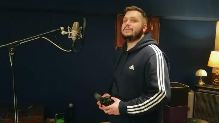 Robin Lüscher «Chris Raw» im Tonstudio in Aarau. Er rappt, seit er 13 Jahre alt ist.