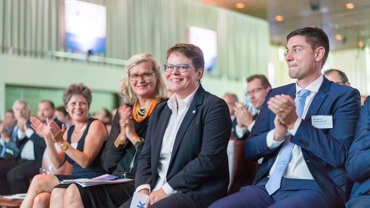 Marianne Wildi wird zur neuen Präsidentin der AIHK gewählt und löst damit Daniel Knecht ab.