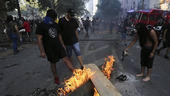 In Chile hat es bei regierungskritischen Demonstrationen am Freitag (Ortszeit) erneut Ausschreitungen gegeben.