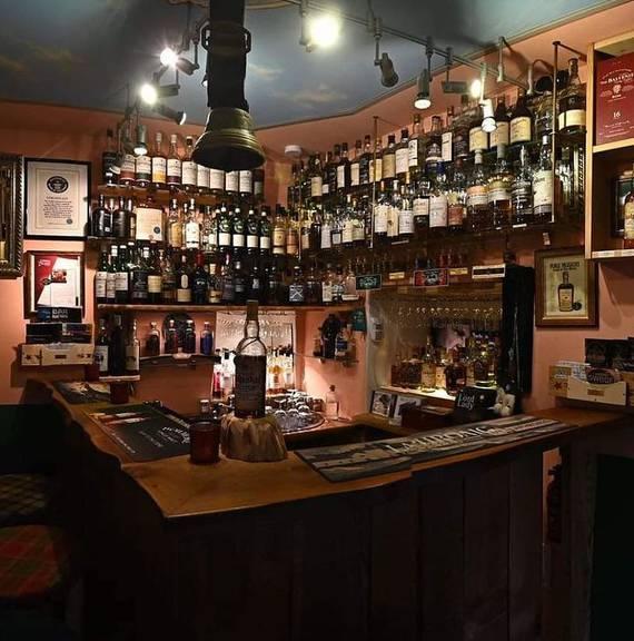 Die kleinste Bar der Welt liegt im Münstertal (GR).