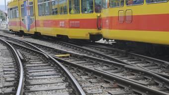 Der Vorfall ereignete sich bei der Haltestelle Lochacker in Reinach. (Archiv)