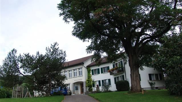 Die ¨Primarschule Aesch, hier das Schulhaus Nassenmatt, genehmigte das Budget einstimmig.