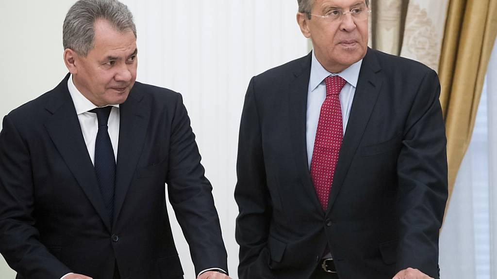 Russlands Verteidigungsminister beklagt Zunahme von Spannungen