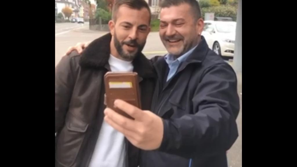 Sympathischer Busfahrer ergattert Bligg-Selfie