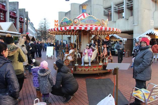 Karussell auf dem Neumarktplatz