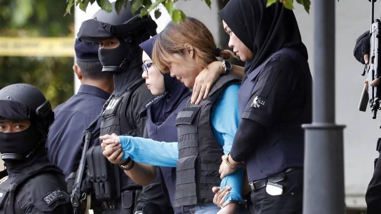 Eine der Beschuldigten ist die Vietnamesin Doan Thi Huong (2. von rechts).