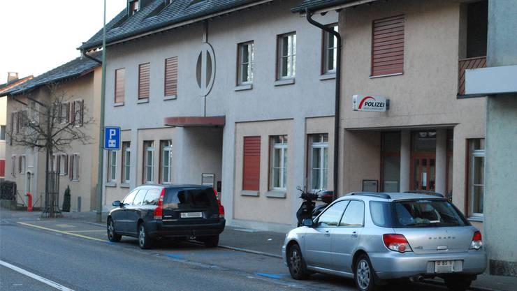 Nichts deutet darauf hin, dass sich hier einmal ein Kino befand: Der Polizeiposten Laufen.