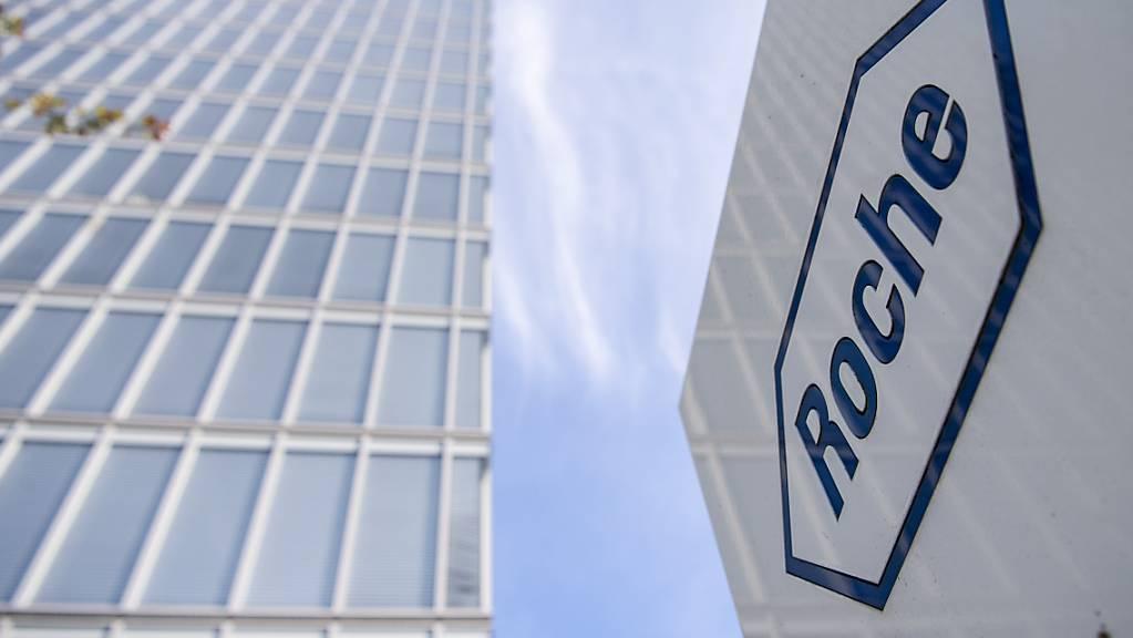 Der Pharmakonzern Roche baut sein Diagnostikgeschäft aus. Die Basler übernehmen für rund 1,8 Milliarden US-Dollar das auf Test zu Infektionskrankheiten spezialisierte kalifornische Unternehmen GenMark Diagnostics.(Archivbild)