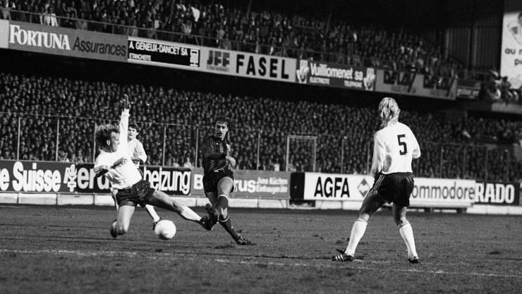 1987 gewinnen die Neuenburger das Heimspiel gegen Bayern München im Landesmeister-Pokal mit 2:1, 21300 Zuschauer sind Zeuge in der Maladière. Im Rückspiel unterliegt Xamax wegen zweier Treffer in den Schlussminuten 0:2 und scheidet aus.