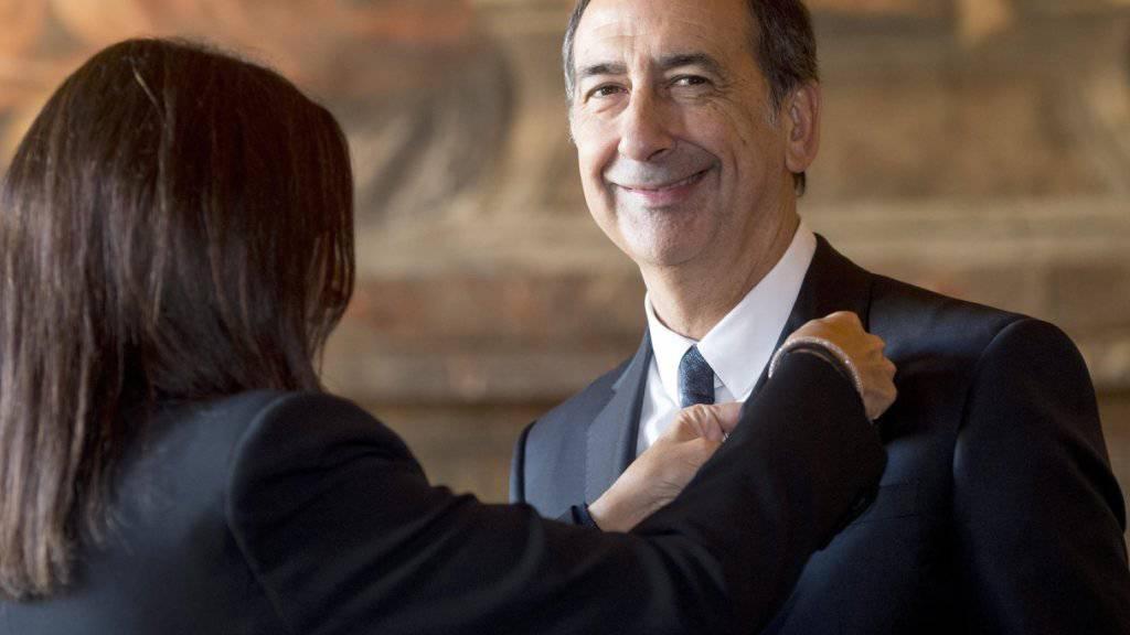 Mailand Bürgermeister Giuseppe Sala ist seit Juni im Amt - nun legt er dieses vorübergehend nieder wegen Ermittlungen der Staatsanwaltschaft. (Archivbild)