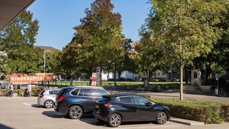 Unter den Tschudin-Park soll ein unterirdisches Parking für das UKBB kommen.