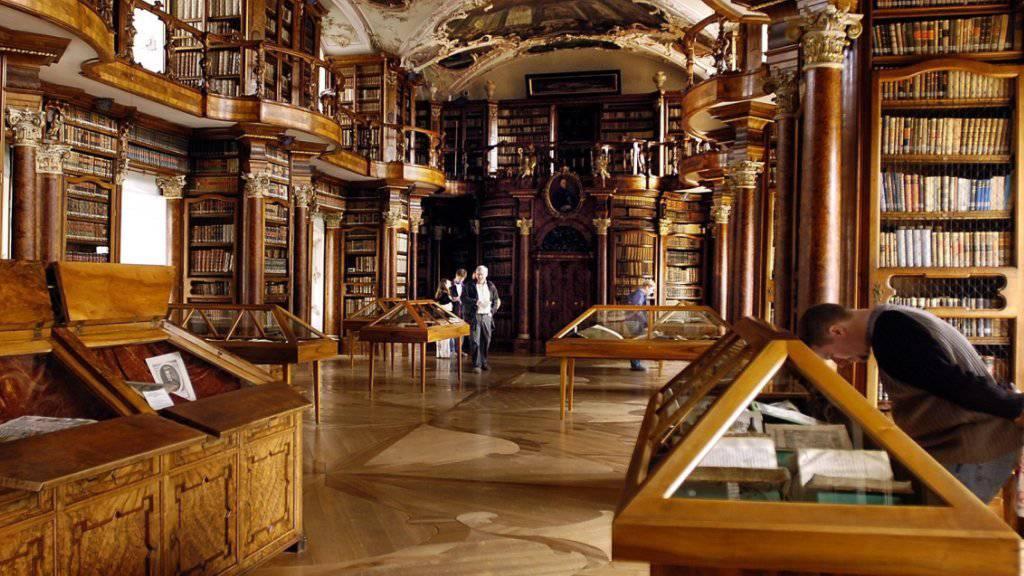 Die Stiftsbibliothek St. Gallen ist eine von acht musealen Institutionen, die ab 2018 neu Betriebskostenbeiträge vom Bund bekommen. (Archivbild)