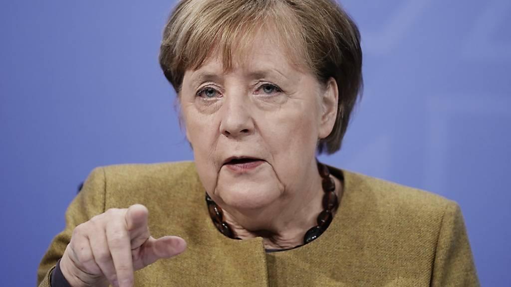 Merkel geht von deutlich mehr Impfdosen aus - Lob für Spahn