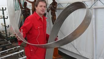 Chris Labüsch setzt für seine Kunst Schneidbrenner und Stahl ein.