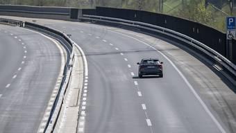 Für einmal freie Fahrt an Ostern: Die Autobahn A2 bei Silenen UR am Donnerstag.
