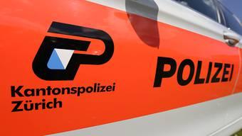 Die Kantonspolizei bestätigte Medienberichte über einen Unfall in Zürich-Altstetten. (Symbolbild)