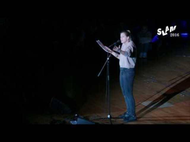 Lisa Christ im Einzelfinale der Deutschsprachigen Poetry Slam Meisterschaften 2016