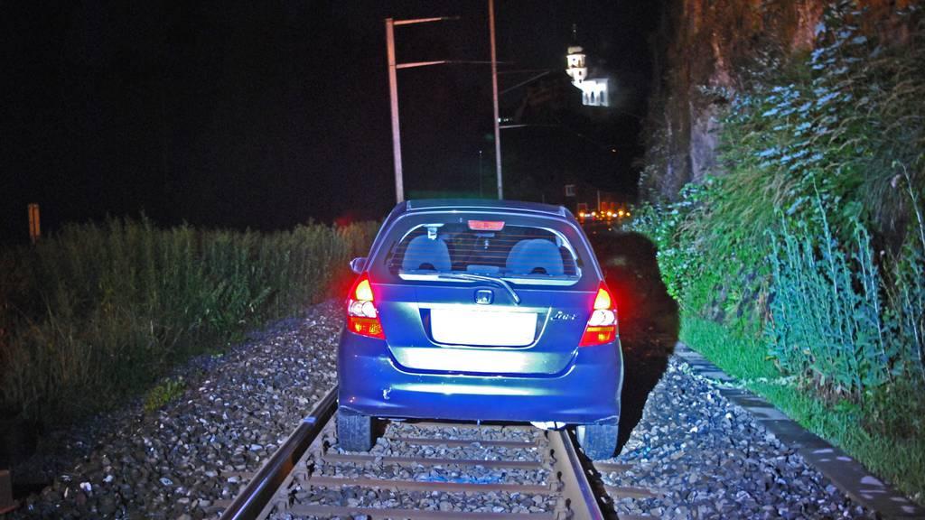 Werthenstein: Autofahrerin gerät auf Bahngeleise