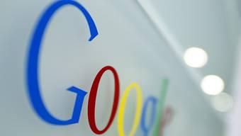"""Die """"Neue Zürcher Zeitung"""" (""""NZZ"""") beteiligt sich als erste Schweizer Partnerin an der europäischen News-Initiative des US-Internetriesen Google. (Archiv)"""