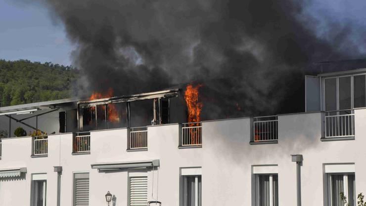 In einer Wohnung in Wangen bei Olten bricht am Samstag gegen 17 Uhr ein Brand aus.