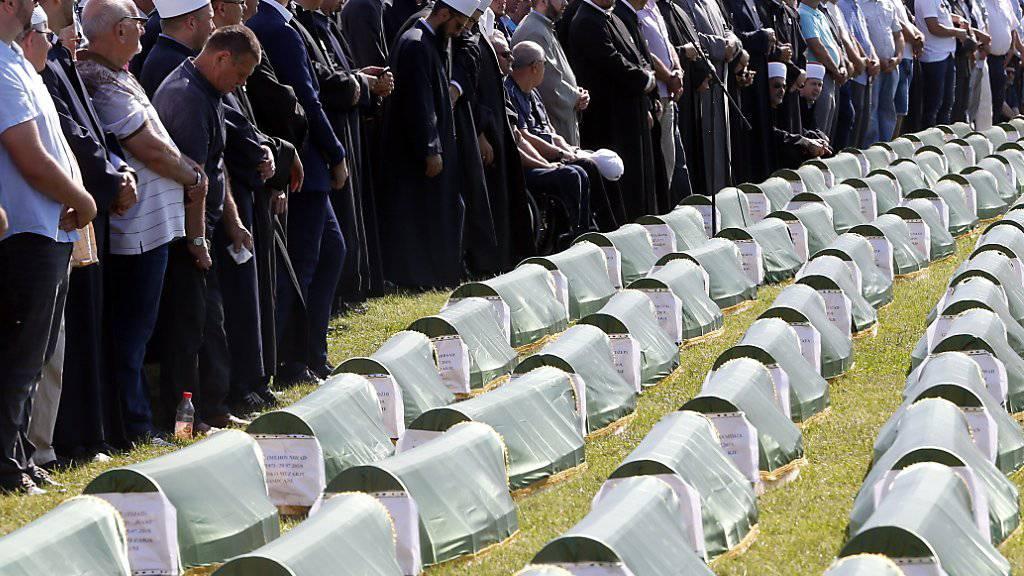 Opfer von Bosnien-Krieg beigesetzt