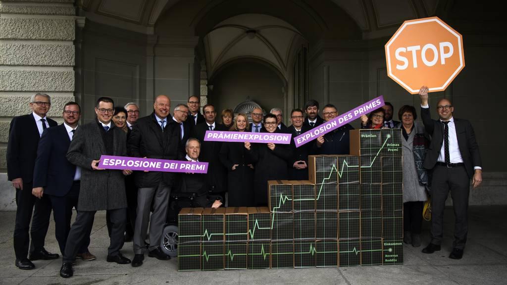 119'000 Unterschriften: CVP reicht ihre Kostenbremse-Initiative ein