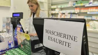 Desinfizierende Produkte und Atemschutzmasken sind in ganz Norditalien nur mehr schwer zu finden.