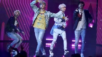 Ihre Videoclips interessieren Millionen Menschen: die südkoreanische Boyband BTS. (Archivbild)
