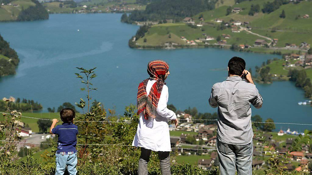 Die Schweiz hat sich in den letzten Jahren als beliebte Feriendestination für Araber gemausert. Mit dem Dreh von Folgen einer saudiarabischen Serie in der Schweiz will Schweiz Tourismus weitere Gäste aus den Golfstaaten in das Land locken. (Themenbild)