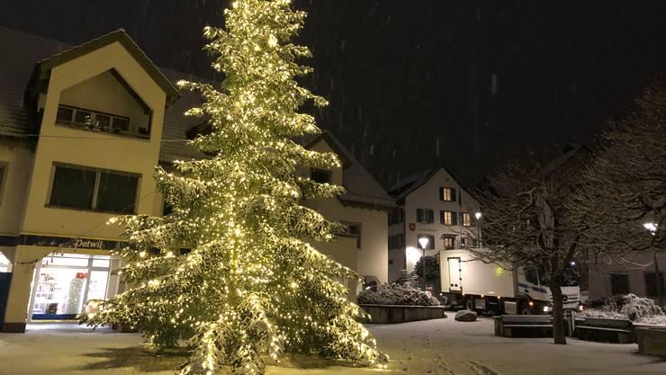 Winterlich weihnachtliche Stimmung in Oetwil an der Limmat