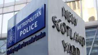 Polizisten von Scotland Yard dürfen keine sichtbaren Tattoos tragen