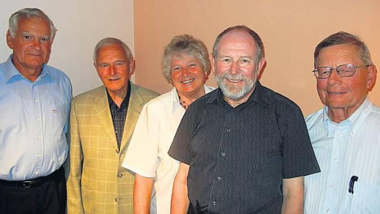 Sie kandidieren auf der Liste CVP 60+ für den Nationalrat (v. l.): Hans Abt (68), Dornach; Peter Henzi (77), Bellach; Susanna Segna-Niggli (70), Lostorf; Ueli Custer (62), Lommiswil; Eduar Gerber (69), Halten. Nicht auf dem Bild ist Urs Oegerli (70), Erlinsbach.