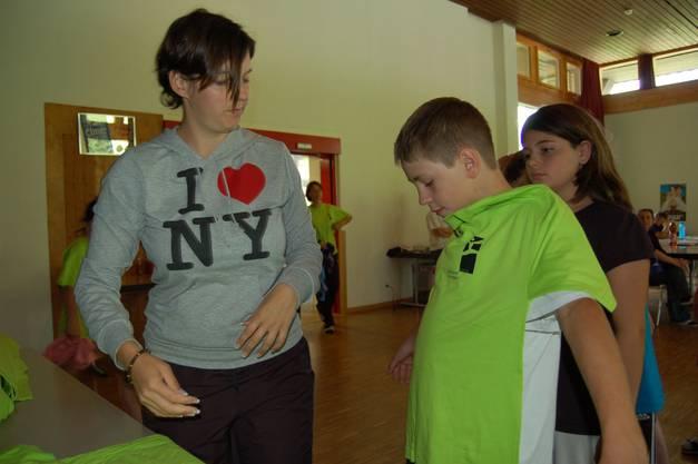 Jeder Teilnehmer erhielt ein Lager-T-Shirt