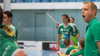 Die richtigen Worte gefunden: Trainer Johan Schönbeck (rechts).