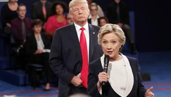 TV-Duell im Oktober 2016 im Wahlkampf von Hillary Clinton und Donald Trump. (Archivbild)