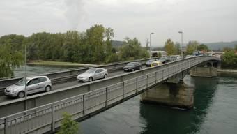 Unter der Rheinbrücke Koblenz – Waldshut irrte der 28-jährige Mann herum.