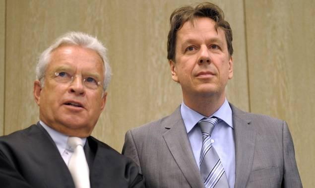 Jörg Kachelmann (r.) mit seinem Anwalt Johann Schwenn