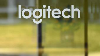 Ein negativer Steuereffekt belastet zwar den Quartalsgewinn von Logitech - doch der auf Computerzubehör spezialisierte Konzern setzt seinen Wachstumskurs ungebremst fort. (Archivbild)