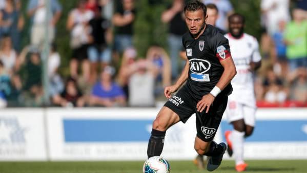 Der Captain des FC Aarau verlängert seinen Vertrag vorzeitig bis zur Saison 20/21.