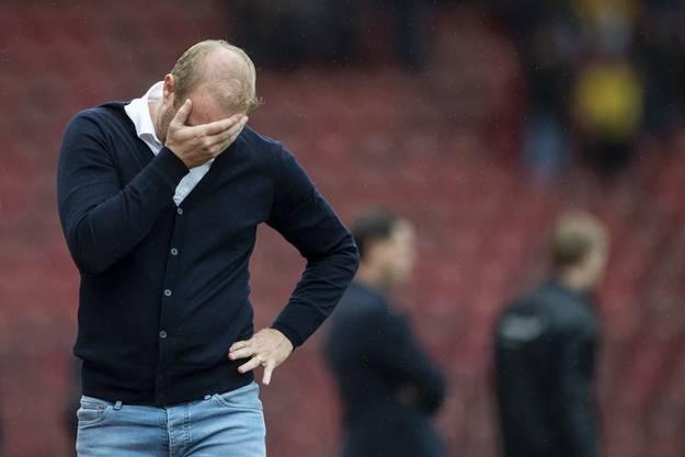 Nicht zum Hinsehen für Trainer Ludovic Magnin: Sechsmal verlor der FC Zürich in der Vorrunde hoch.
