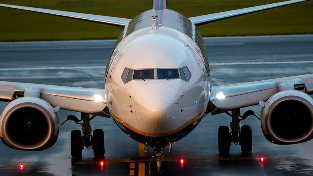 Machthaber zwingt Flugzeug zur Landung und lässt Blogger festnehmen