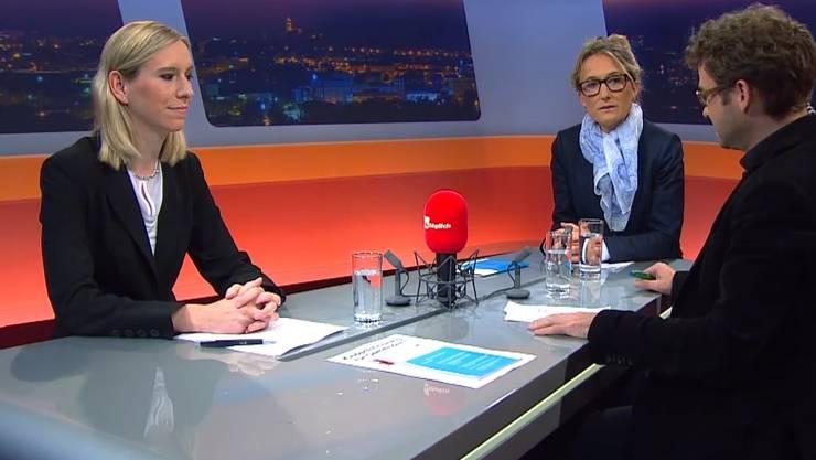 Maya Meier (links) und Susanne Hochuli (rechts) diskutieren über die Krippen-Initiative.